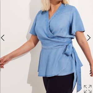 Nwt loft flutter wrap top chambray size 16